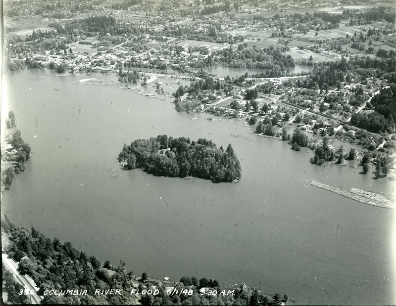 Oregon City during flood