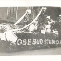 1918 Rose Festival float